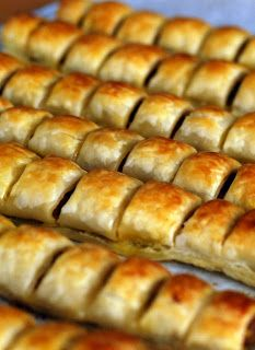 """Thermolicious: Sausage Rolls (similar to the """"classic"""" ones found in """"My way of cooking"""")"""
