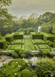 Miranda Brooks, Landscape Design, Garden Design, Green Garden, Types Of Plants, Tropical Plants, Architectural Digest, Hedges, Connecticut