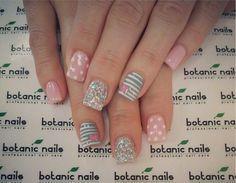 Gorgeous pink and silver nails Aqua Nails, Baby Pink Nails, Silver Nails, Duck Nails, Botanic Nails, Short Nails Art, Short Nail Designs, Nail Arts, Beauty Nails