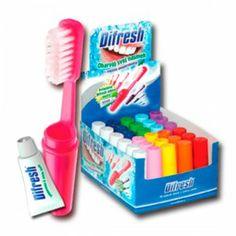 DIFRESH CEPILLO DENTAL DE VIAJE CON PASTA DENTIFRICA Kit de cepillo y pasta dental. Está disponible en 10 diferentes colores.  Cada kit dental contiene: un cepillo de dientes del mismo color y un tubito de pasta dentífrica. Cada cepillo de dientes tiene una vida útil de 3 meses.  Ideal para llevar en el bolso, coche, viajes, etc. http://www.sexfrodisia.com/higiene-personal/15563-difresh-cepillo-dental-de-viaje-con-pasta-dentifrica.html