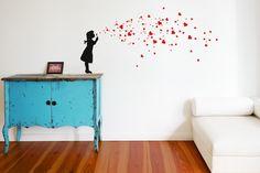 HEART BUBBLE GIRL Wandtattoo Kinderzimmer Herzen