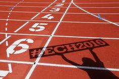 Lisanne de Witte en Nicky van Leuveren eenvoudig door naar halfe finale 400 meter (Video's)