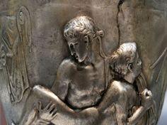 EU SOU ESPÍRITA! : PERANTE O SEXO  Nunca escarneça do sexo, porque o sexo é manancial de criação divina, que não pode se responsabilizar pelos abusos daqueles que o deslustram. Psicologicamente, cada pessoa conserva, em matéria de sexo, problemática diferente. VER COMPLETO: http://rsdurantdart.blogspot.com.br/2013/12/perante-o-sexo.html#.U00vg6jxoiI