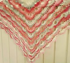 Handmade by me: Crochet virus shawl + pattern. Virkattu Virus huiv...