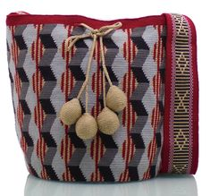 Exclusive SUSU Accessories collection Cross-body BUCKET Bags, handknitted by the most talented artisans of the Wayuu ethnicity in Colombia. Crochet Accessories, Fashion Accessories, Tapestry Crochet, Handmade Bags, Hand Knitting, Hand Weaving, Crossbody Bag, Essentials, Shoulder Bag