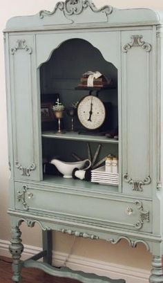 Duck Egg - Annie Sloan Chalk Paint™ with Clear and Dark Soft Wax...such a pretty piece. by Bricia Morais