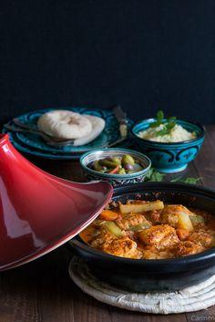 Tajine de pescado con verduras - No quieres caldo? ... Pues toma 2 tazas. Couscous, Comida Armenia, Color Shapes, Wok, Seafood, Sandwiches, Recipies, Cooking Recipes, Quotes