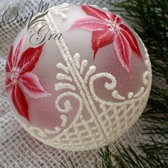 Christmas Decoupage, Painted Christmas Ornaments, Holiday Ornaments, Christmas Tree Ornaments, Christmas Crafts, Christmas Decorations, Elegant Christmas, Pink Christmas, Homemade Christmas