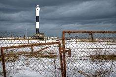 Dungeness Lighthouse South East England, England Uk, Images Of England, Lighthouse Lighting, Wide World, Famous Landmarks, Light House, Small Island, Patterns In Nature