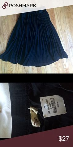 Black Chiffon Midi Skirt New black midi skirt from Hollister. Skirt has a liner. Brand new with tags. Hollister Skirts Midi