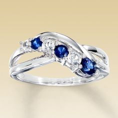 Also WANT this white and blue sapphire ring!
