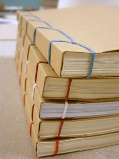 'Amazing DIY Book Binding Ideas for beginners...!' (via Craft Directory)