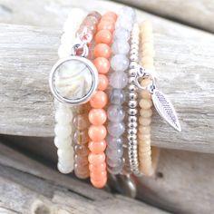 Armbanden gemaakt met o.a. Perla beads en Polaris cabochons