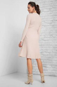 Plisseekleid in Midi-Länge Elegant, Highlights, High Neck Dress, Tops, Dresses, Fashion, Full Skirts, Mandarin Collar, Breien
