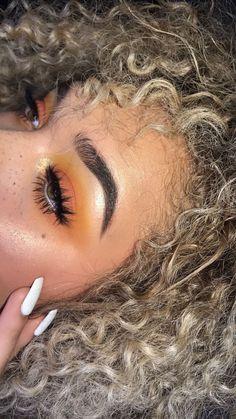 Eye Makeup Tips.Smokey Eye Makeup Tips - For a Catchy and Impressive Look Makeup Goals, Makeup Inspo, Makeup Inspiration, Makeup Tips, Beauty Makeup, Hair Beauty, Beauty Style, Nail Inspo, Makeup Trends