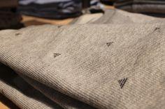 Neben frischen T-Shirts haben wir auch so einige Sweater mit Prints am Start.