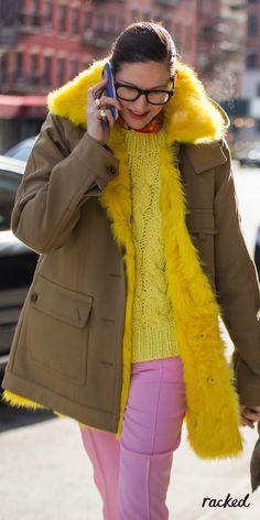 Jenna Lyons in a Bright Colored J.Crew Outfit at New York Fashion Week // More… Top Street Style, Street Style 2016, Autumn Street Style, Cool Street Fashion, Street Styles, J Crew Outfits, Fashion Week 2016, New York Fashion, Style Fashion