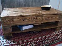 Couchtisch aus Europaletten, Palettenmöbel, Massivholz