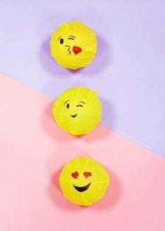 DIY: Emoji Giveaways ~ اصنعها بنفسك: توزيعات الإيموجي