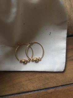 ZARTE CREOLEN GOLD // Kreolen gold-filled // Perlen // Minimalistisch // Kleine Ohrringe // Boho
