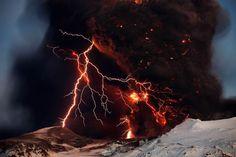 Fulmini e vulcani, un fenomeno spettacolare senza più segreti