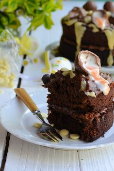 Discover our collection of Easter cakes, baking ideas and chocolate cake recipes.