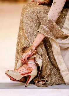 Pakistani Bridal Wear, Pakistani Wedding Dresses, Indian Bridal Photos, Bridal Pics, Et Tattoo, Bridal Sandals, Bridal Shoe, Stylish Dpz, Wedding Wear