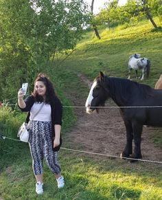 selfies with horsies . . . . #horses #horse #horsesofinstagram #animal  #beautiful #lovely #gorgeous #animals #majestic #peace #peaceful #calm #evening #me #selfie #selfies #girl #outfit #summer #evening #vibes #summervibes #sun #sunny #sunset