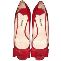Pre-owned Miu Miu Leather Ballet Flats (2.840 HRK) ❤ liked on Polyvore featuring shoes, flats, red, women shoes ballet flats, ballet pumps, red ballet shoes, miu miu flats, miu miu shoes and red shoes