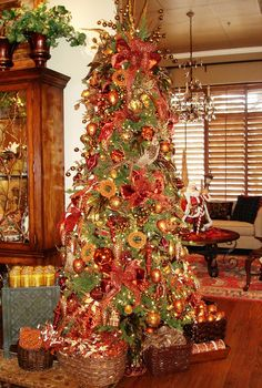 perfect bronze & copper Chirstmas tree - The Accessory Place - Renew - Renew Articles - Recipe for a GORGEOUS ChristmasTree