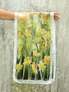 Silk scarf with Daffodils, hand painted with Narcissus yellow flowers as mother day gift Dress Painting, Fabric Painting, Batik Art, Pressed Flower Art, Silk Art, Types Of Flowers, Green Backgrounds, Daffodils, Yellow Flowers