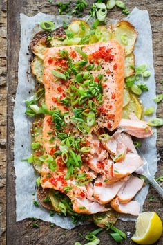 Idas fristelser Laksa, Fish Dishes, Salmon Recipes, Love Food, Food And Drink, Yummy Food, Lunch, Healthy Recipes, Dinner