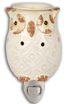 CREAM OWL PLUG IN FRAGRANCE WARMER - WAX MELTER by Boulevard