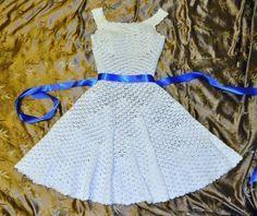Organdy vestido da fita - teste padrão surpreendente do vintage neste roundup de 10 padrões de vestido de crochê grátis para mulheres!