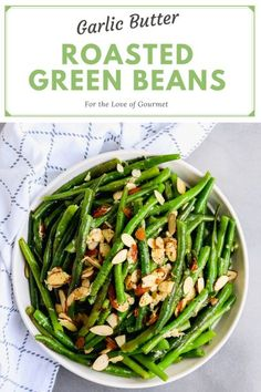 These garlic butter green beans are roasted with toasted almonds and parmesan cheese for a side dish that s perfect for Easter These green beans are so easy and flavorful and the perfect Easter side dish or side dish for anytime greenbeans sidedish Easter Healthy Side Recipes, Healthy Side Dishes, Vegetable Side Dishes, Side Dishes Easy, Side Dish Recipes, Vegetable Recipes, Garlic Green Beans, Roasted Green Beans, Roasted Almonds