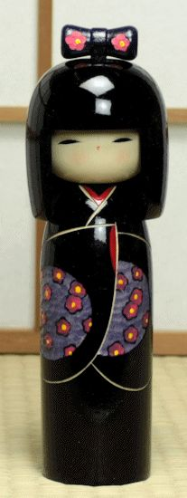 JUN Gifts has wide variety of Japanese kokeshi. Kokeshi, originally created in Tohoku (northern region) as a toy for kids, has now become one of the most poplar souvenir item among tourists here. Momiji Doll, Kokeshi Dolls, Japanese Gifts, Japanese Doll, Asian Quilts, Hand Carved, Hand Painted, Wooden Dolls, Collector Dolls