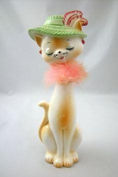 Evidence of a Cat Lady Understudy Vintage Cat, Vintage Toys, Vintage Dishes, Vintage Stuff, Kitsch, Cat Statue, Ceramic Animals, Cat Decor, Vintage Pottery