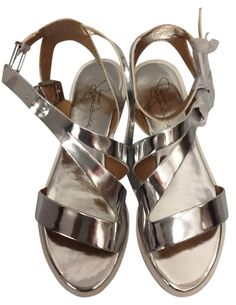 Report Signature New Leather Gladiator Sz 7.5 Silver Sandals. Get the must-have sandals of this season! These Report Signature New Leather Gladiator Sz 7.5 Silver Sandals are a top 10 member favorite on Tradesy. Save on yours before they're sold out!