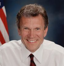 Tom Daschle (1947 - ) Former U.S Senator. Today, he is a Special Policy Advisor at a law firm, a visiting professor at Georgetown University, and a Distinguished Senior Fellow at the Center for American Progress. Born in Aberdeen, SD