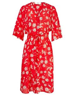 Pyrus Clemence silk dress - red / ecru simple flowers - The Clemence dress from Pyrus has a striking coral red base and is covered in an ecru and indigo daisy print. It's a collarless dress with a subtle v, leadi. Blouse Dress, Silk Dress, Wrap Dress, Clothes For Sale, Dresses For Sale, Dress Outfits, Fashion Dresses, Blouses Uk, Feather Stitch