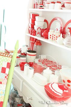 Quilty Fun Photo Shoot by Fat Quarter Shop, via Flickr Lori Holts red and white collection. OMG.
