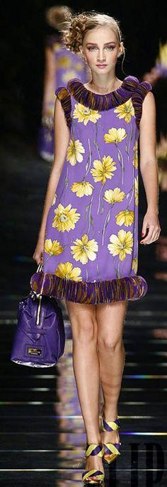 Valentino Spring-summer 2008 - Ready-to-Wear Purple Yellow, Shades Of Purple, Purple Dress, Purple And Black, 50 Shades, Deep Purple, Valentino Couture, Valentino Women, Valentino Garavani