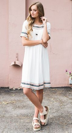 DISTANCE EMBROIDER DRESS - IVORY