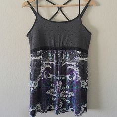 Athleta Tank Athleta tank with adjustable straps and shelf bra; Size XL (size tag missing but purchased as an XL) Athleta Tops Tank Tops