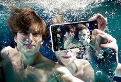 http://www.computerblog.ro/telefoane-mobile/sony-xperia-zr-poze-sub-apa.html Sony Xperia ZR Sony Xperia ZR   face poze sub apă