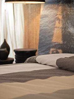 "The duvet set in a linen mix in natural shades to give a sophisticated and welcoming touch to the bedroom // Un coordinato copripiumino in misto lino dalle nuance naturali per dare un tocco sofisticato ed accogliente alla camera da letto [Flou ""Kenya"" Linen Set] #Covers #Fabrics #Leather #Hide #Beds #Lenzuola #InteriorDesign #HomeDecor #Bedroom #Biancheria #Bedding"