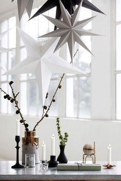 45 Modern and Minimalist Christmas Decor Ideas - decoration Scandi Christmas, Minimalist Christmas, Minimalist Decor, White Christmas, Modern Minimalist, Christmas Tress, Christmas Mantles, Christmas Villages, Victorian Christmas