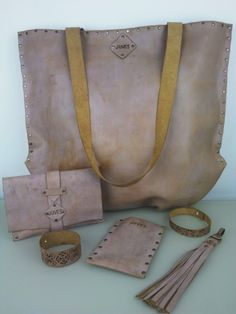 Stoere tas met vintage uitstraling. www.juves.nl
