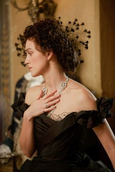 Keira Knightley in Anna Karenina. Amazing jewelry. I want every single piece from the movie!