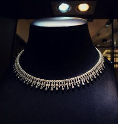 Ring Leather Organizer up Jewellery Shops Near Kondapur her Simple Diamond Necklace Designs With Price In Hyderabad Indian Wedding Jewelry, Indian Jewelry, Bridal Jewelry, Indian Bridal, Modern Jewelry, Vintage Jewelry, Fine Jewelry, Diamond Necklace Set, Diamond Jewelry